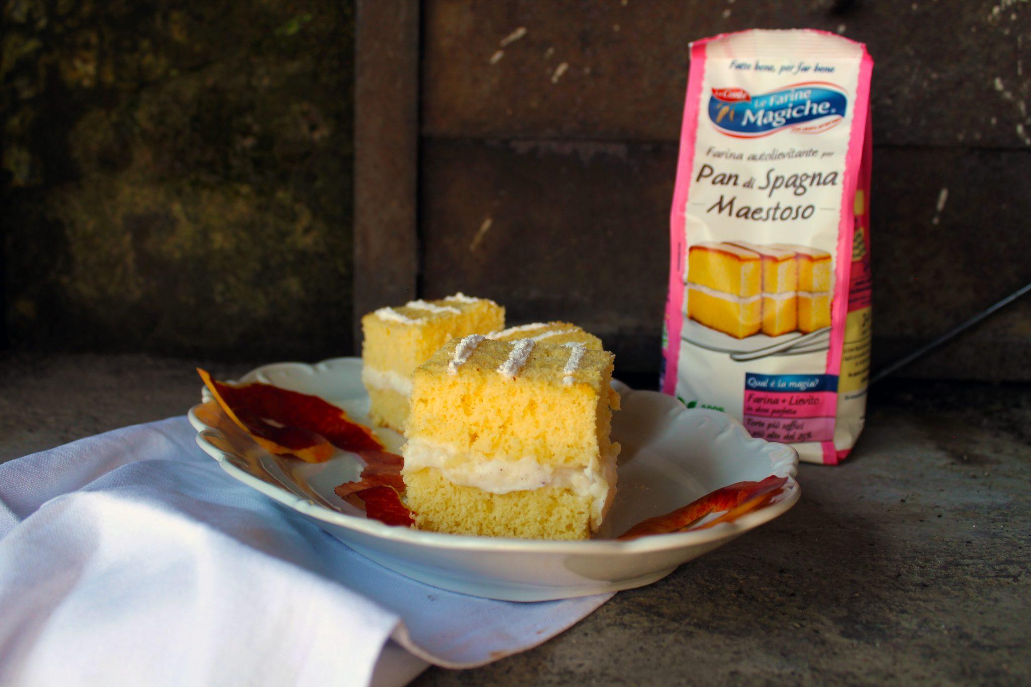 Quadrotti con crema allo Yogurt