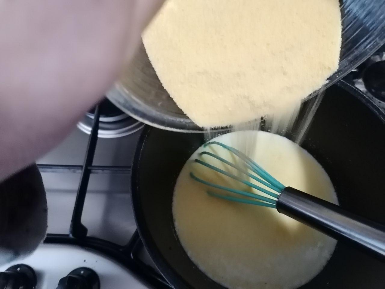 Castagnole di polenta con cuore alla nocciola
