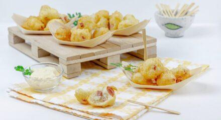 Frittelle salate con salumi e formaggio